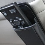 2011-nissan-quest-le-infotainment-remote-control-photo-395191-s-1280x782